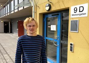 Jonathan Andersson trivs i sitt nya hem på Meteorgatan.