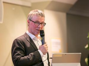 Göran Wigert berättade att förvaltningen jobbar hårt för att få budgeten i balans.