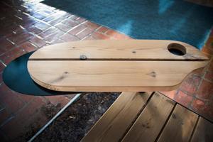 Designen till den flexibla bordsskivan har hämtat inspiration från en skalbaggsvinge.