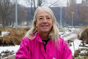 Ann-Christine Hedström åkte från Hedemora för att hämta hem nya plantor från Avestas stadshuspark.