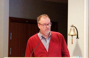 Per-Arne Frisk ville inte ge raka svar under måndagskvällen.