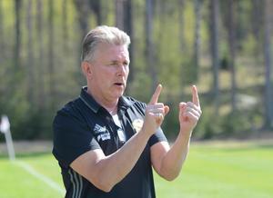 Med en bredare trupp hoppas Tomas Hultgren på en bättre placering än i fjol.