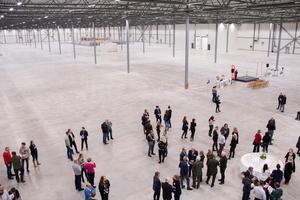 Apoteas nya lager är 38000 kvadratmeter stort. Det är 30000 kvadratmeter på markplanet.