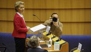 EU-kommissionens ordförande Ursula von der Leyen presenterar sina planer för den ekonomiska återhämtningen efter coronakrisen.