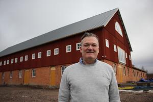 Peter Johansson vd på PNP stålhallar i Skara.