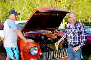 Mats Mårtensson från Borlänge och Karl-Erik Persson från Gustafs upptäckte att det delade intresse för samma bilar: Chevor.