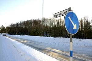 Ska Sundsvalls kommun, som äger Hulivägen, ge upp inför Trafikverkets påtryckningar?undrar
