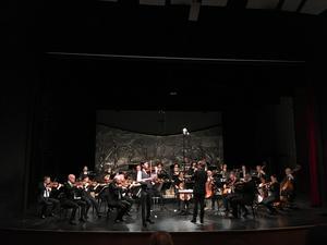 Daniel Lozakovich på violin under konserten i Ludvika.  Foto: Linda Hellstrand