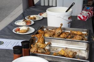 Inga grillar syntes till på årets grillnatta. Maten var dock uppskattad ändå.