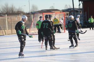 Västerås jublar efter sitt tredje mål i första halvlek