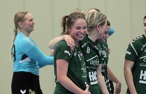 Moa Alexsson är en  klippa på försvarslinjen – men hennes enda mål framåt var desto viktigare och gav hemmalaget ledningen med 24–22 och dryga minuten kvar att spela.