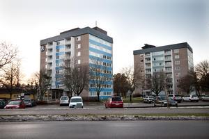 Norbergsvägen 19 och 21. Fagersta kommun köpte de här husen, som har hiss, 1996 tillsammans med en annan fastighet – för 112 miljoner kronor.