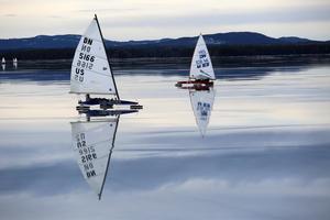 Isjakterna seglar i vindhastigheter mellan två till tolv meter per sekund.