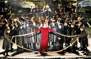 """Från sommarens föreställning av  """"Catulli Carmina"""" och """"Carmina Burana"""" i regi av Maria Blom.Foto: Per Eriksson"""