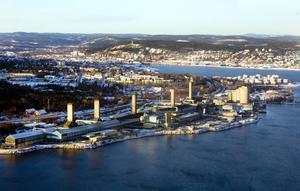 Den kilometerlånga Sundsvallsfabriken hotas och beskedet närmar sig. En tidigare medarbetare vittnar om många tuffa år för personalen.