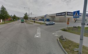Köerna blir ofta långa i korsningen Morabergs handelsplats och Klastorpsvägen. Foto: Google Maps