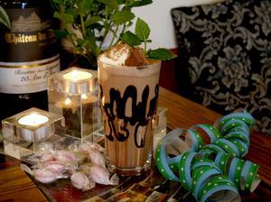 Kaffedrinkarna kan varieras med olika såser som smaksättare.