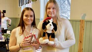 Rebecka Årstad och Tanja Frisk satsar på hundprodukter.