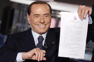 Silvio Berlusconi lovar fler jobb och lägre arbetslöshet i Italien.Foto: AP