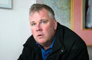 Bengt Benjaminsson, vd på Dalatrafik, har hört talas om luckor som öppnats men aldrig att det lett till någon personskada.