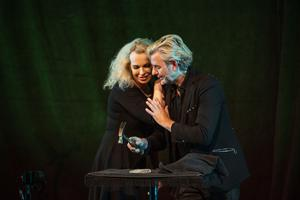 Anne-Li Blomqvist var en av kvällens gladaste deltagare på scenen.