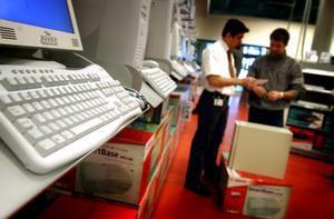 Butikernas påträngade försäljare har vi sluppit det senaste året. Foto: FREDRIK PERSSON/TT