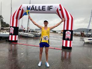 Elov Olsson sprang under 6.40 för första gången – med råge dessutom. Kilometertid imponerande 3,59! Bild: Joacim Lantz