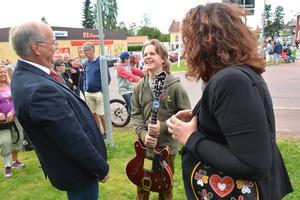 Peter Egardt, Mattias Jonasson och Marit Norin efter stipendiet delats ut.