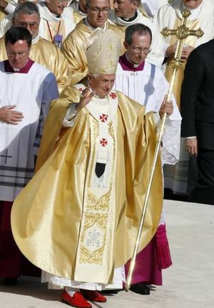 Påven anser att homosexuella är ett världshot...