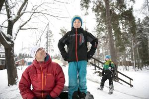Ulf Wernersson och sonen Erik Wernersson, som går i trean på Hälsinggårdsskolan, hoppas att man lyckas göra lika rolig skolgård vid lokalerna vid Haraldsbo.
