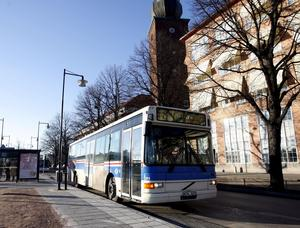 Bussigare. Busslinjenätet i Västerås är från 1970-talet och bör anpassas efter nutida och framtida behov, både vad gäller linjesträckningar och utbud av turer, skriver Hans Näslund. foto: scanpix
