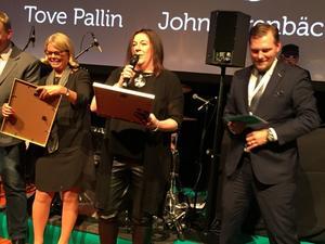 Tove Pallin (mitten) blev