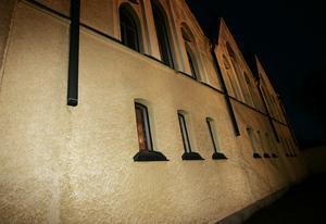 Fasaden på Skönsmons kyrka.