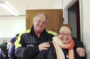 Ordförande i hyresgästföreningen Ing-Marie Walén och styrelsemedlemmen Thomas Malm kom på besök.