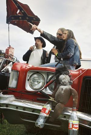 Raggarnas rasism kommer ur deras intresse för sydstatskulturen, hävdar Kjell-Åke Jansson.