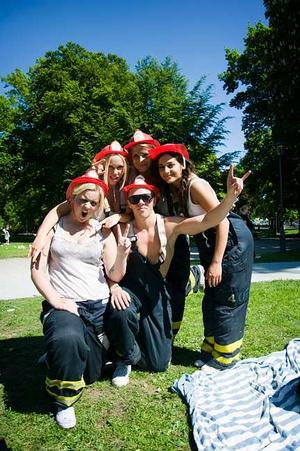 (övre raden) Ellinor, Jonna, Susanne, (undre raden) Molly och Anton från HP07 A, Carforsska, var utklädda till