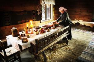 Till jul dukade man fram det bästa huset kunde uppbringa, bland annat byttes vardagens hårda tunnbröd ut mot mjukt bröd.