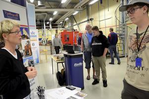Framtiden. Industrin kommer att erbjuda jobb de närmaste åren. Rinman Education i Hällefors höll i samarbete med näringslivet öppet hus för att slå ett slag för teknikutbildningarna.