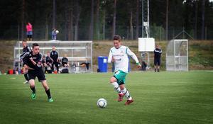 Sebastian Andersson var en av många  tongviande spelare i Alsen och var också den som ordnade kvitteringen