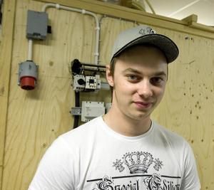Fredrik Görlin hoppas på att kunna ordna lärlingsplats hemma i Bergsjö. Han har sommarjobbat på Kollins, och vill kunna komma dit så småningom.