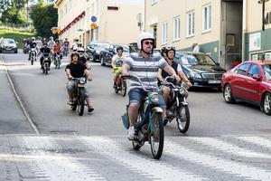 127 mopeder deltog under årets mopedcruising, något som resulterade i ett rekord.
