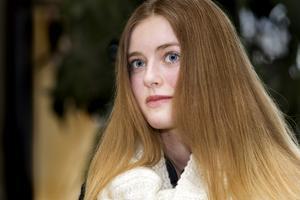 """Kändis. 14-åriga Gloria Bedoire är ansiktet på rockbandet Kents nya skiva """"Tigerdrottningen"""".Foto: Rune Jensen"""