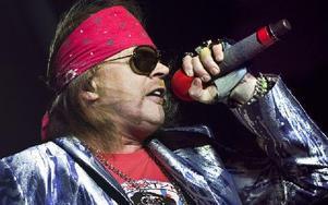 KALLAST. Att Axl Rose fortsätter att turnera med gamla Guns N' Roses-hits trots att både röst och attityd sedan länge föråldrats. Dags att sluta, för allas trevnad.Foto: Scanpix