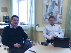 Kommunalrådet Leif Pettersson (S) kommer i fortsättningen att ensam bestämma vad kommunchefen Jan Lindström ska ha i lön.