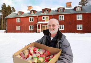I den gamla personalbostaden vid Högfors bruk har Ivar sitt företag