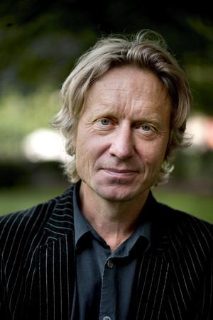 Bengt Ohlsson kommer till Hedemora stadsbibliotek tisdagen den 23 oktober 19.00.