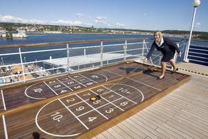 En favorit ombord - shuffleboard. Här spelas många matcher om dagarna.