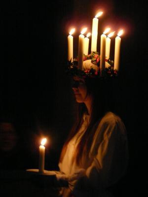 Sara Lässman Persboskolans lucia i Skultuna kyrka.