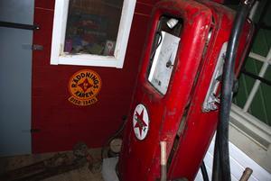 Full tank? De gamla pumparna saknas av många. Foto:Christian Larsen