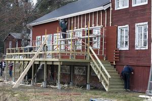 Huset får en annan karaktär när kaféutbyggnaden står klar.
